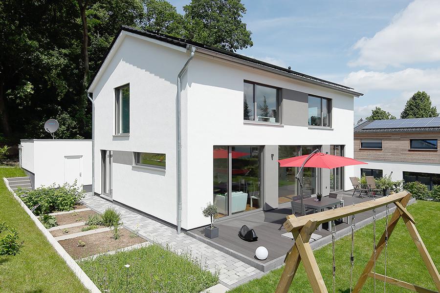 Modernes einfamilienhaus wir bauen h user f r familien for Moderne wohnhauser